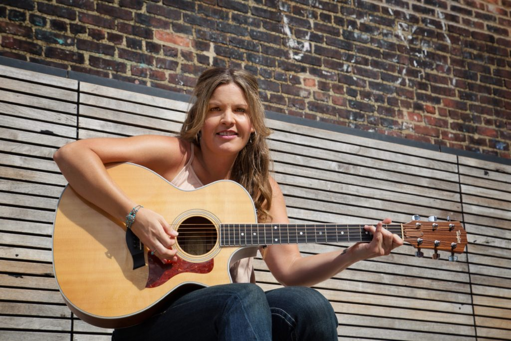 Radio Cafe: Nash Indie Artist Showcase (7pm – 10pm) | Jennifer Vazquez